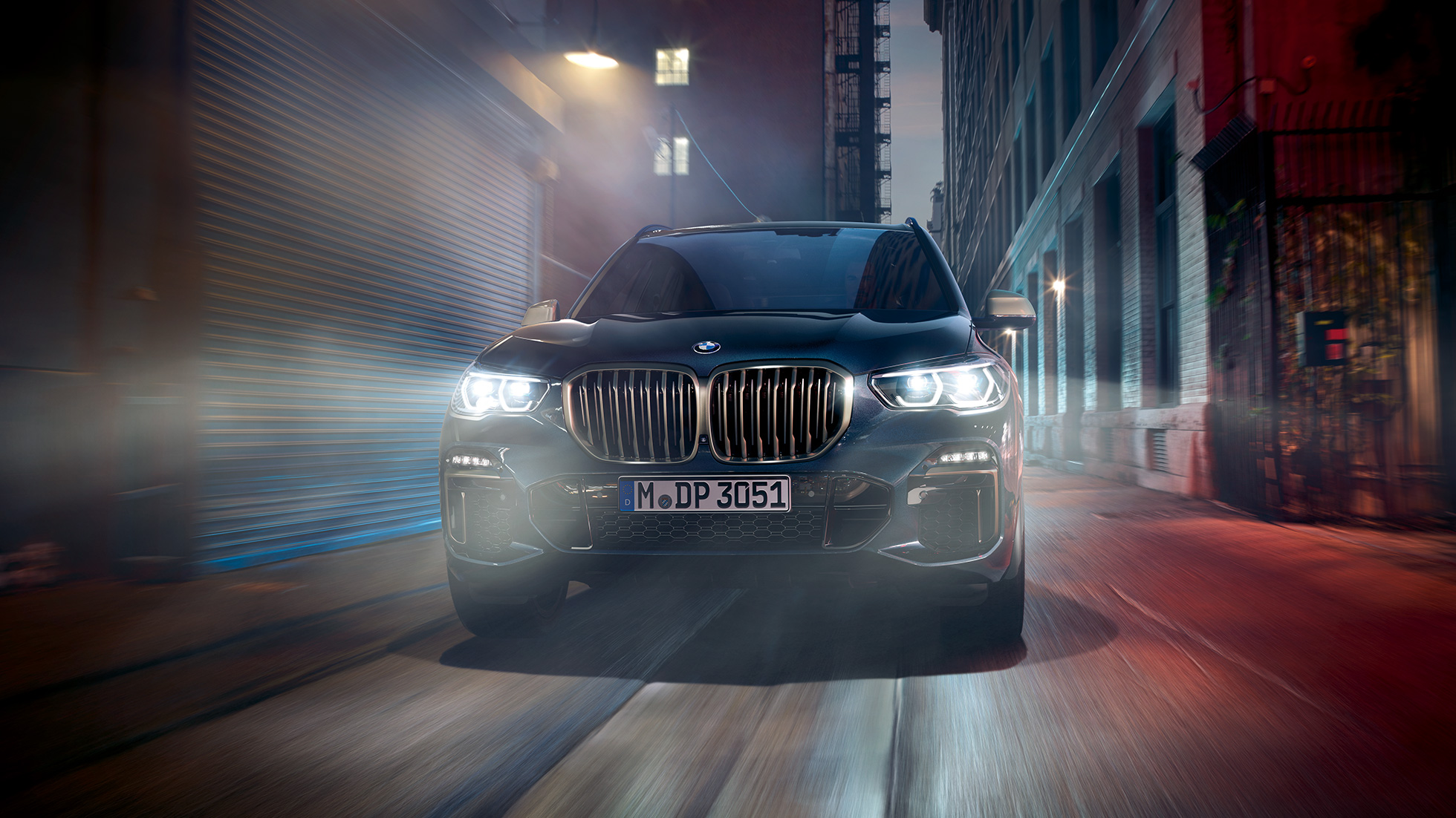 BMW kidney grille in Cerium Grey BMW X5 M50i and G05 Carbon black metallic front view